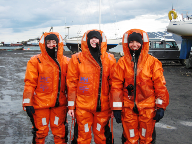 Girls_in_Barents_Sea